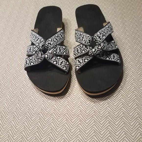 Western chief Annette flip flops